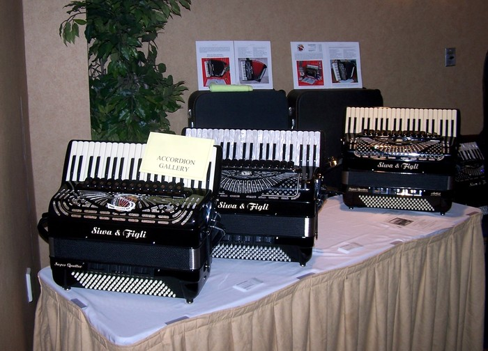Accordion Gallery and Siwa & Figli at the AAMS 2009