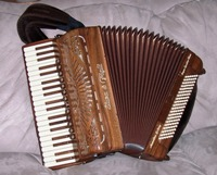 Super Quattro Accordion Gallery Walnut Model